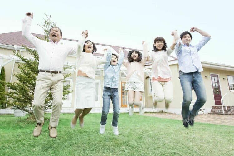 家族みんなでジャンプ