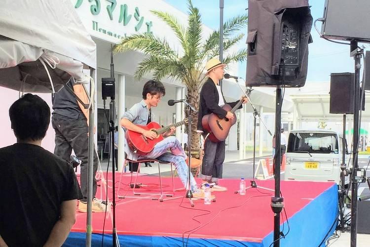 かりゆし58前川さんとギタリストYOSHIROさん