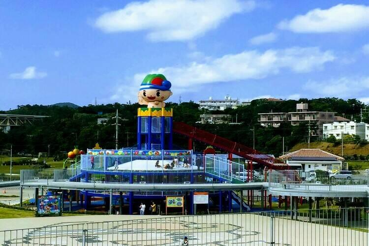 宜野座道の駅の子供のアスレチック遊具