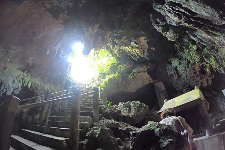 聖地日秀洞と琉球八社の金武宮