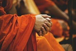 手を合わせる祈り